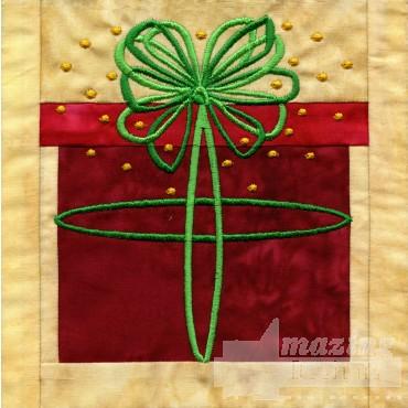 Present In-the-hoop Christmas Quilt Block
